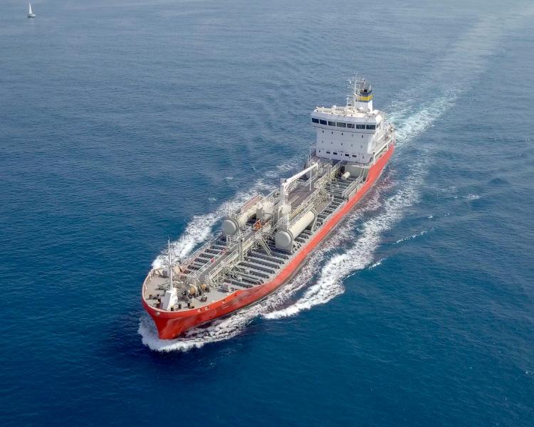タンカー、その他船舶